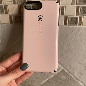 Light pink Speck Candyshell iPhone 6/7/8+ case